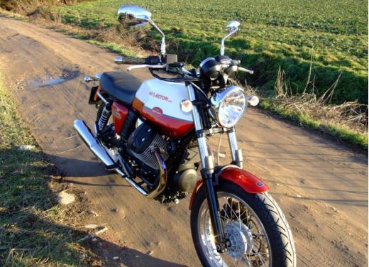 Moto Guzzi V7 Special: prova su strada - Foto 14 di 33