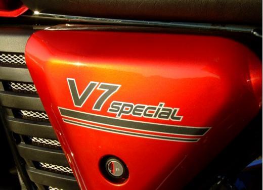 Moto Guzzi V7 Special: prova su strada - Foto 15 di 33