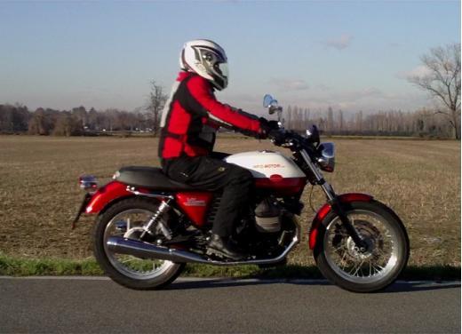 Moto Guzzi V7 Special: prova su strada - Foto 24 di 33