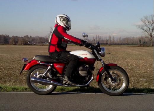 Moto Guzzi V7 Special: prova su strada - Foto 25 di 33