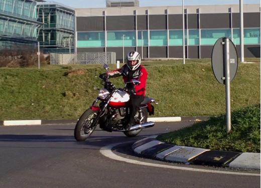 Moto Guzzi V7 Special: prova su strada - Foto 26 di 33