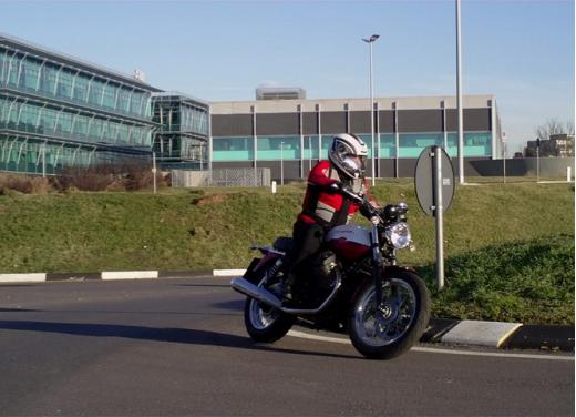 Moto Guzzi V7 Special: prova su strada - Foto 27 di 33