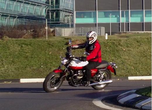 Moto Guzzi V7 Special: prova su strada - Foto 28 di 33