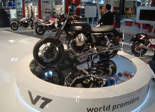 Nuova Moto Guzzi V7 - Foto 8 di 29