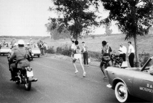 Moto Guzzi, la Maratona di Roma e Abebe Bikila - Foto  di