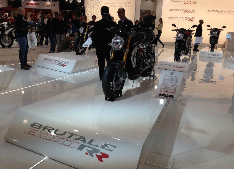 MV Agusta Brutale 800 RR prestazioni e prezzo - Foto 3 di 15