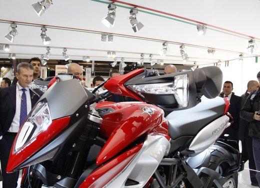 MV Agusta Rivale 800 la moto più bella di Eicma 2012 - Foto 17 di 23