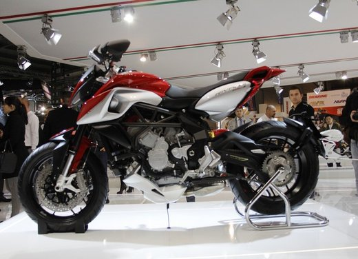 MV Agusta Rivale 800 la moto più bella di Eicma 2012 - Foto 4 di 23