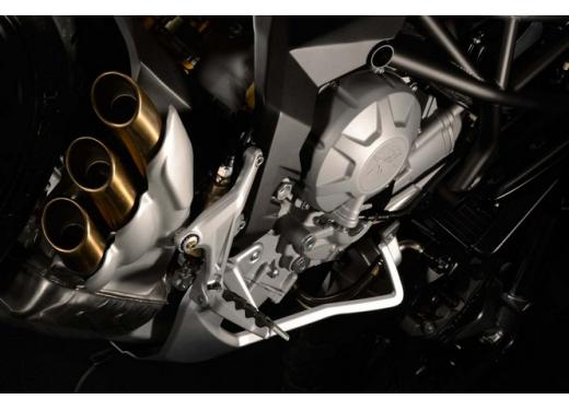 MV Agusta Rivale 800 il via alla produzione - Foto 8 di 10