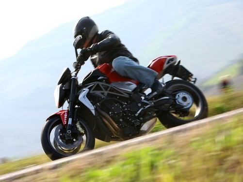 MV Agusta Brutale 1090 RR – Long Test Ride - Foto 6 di 8