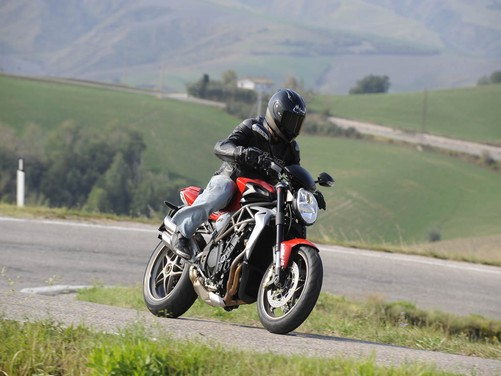 MV Agusta Brutale 1090 RR – Long Test Ride - Foto 2 di 8