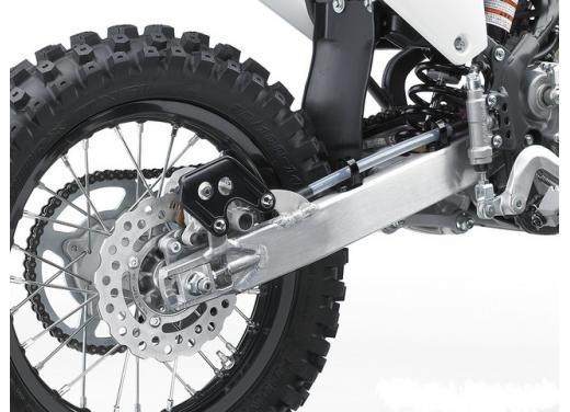 Nuova Kawasaki KX85, nuovo design e maggiori prestazioni per i futuri campioni di cross - Foto 4 di 8