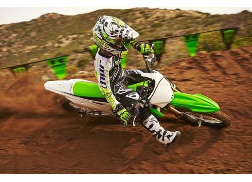 Nuova Kawasaki KX85, nuovo design e maggiori prestazioni per i futuri campioni di cross - Foto 7 di 8