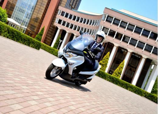 Nuovo Suzuki Burgman 125 e 200 Abs prova su strada e prezzi