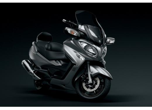 Nuovo Suzuki Burgman 650: prezzo scontato fino al 30 giugno 2013 - Foto 4 di 10