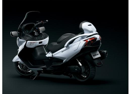 Nuovo Suzuki Burgman 650: prezzo scontato fino al 30 giugno 2013 - Foto 9 di 10