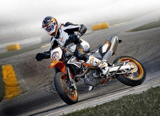 Orange Protect, l'assicurazione dedicata a KTM 125 Duke, KTM Adventure 990 ed alle altre moto stradali e da enduro - Foto 3 di 4