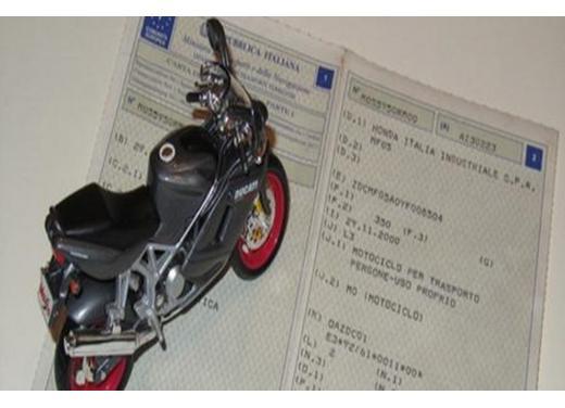 Passaggio di proprietà moto e scooter: regole e costi - Foto  di