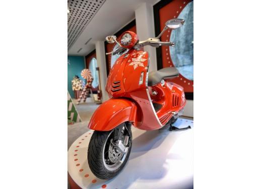Piaggio Vespa 946 all'asta per Vespa for Children - Foto 3 di 5