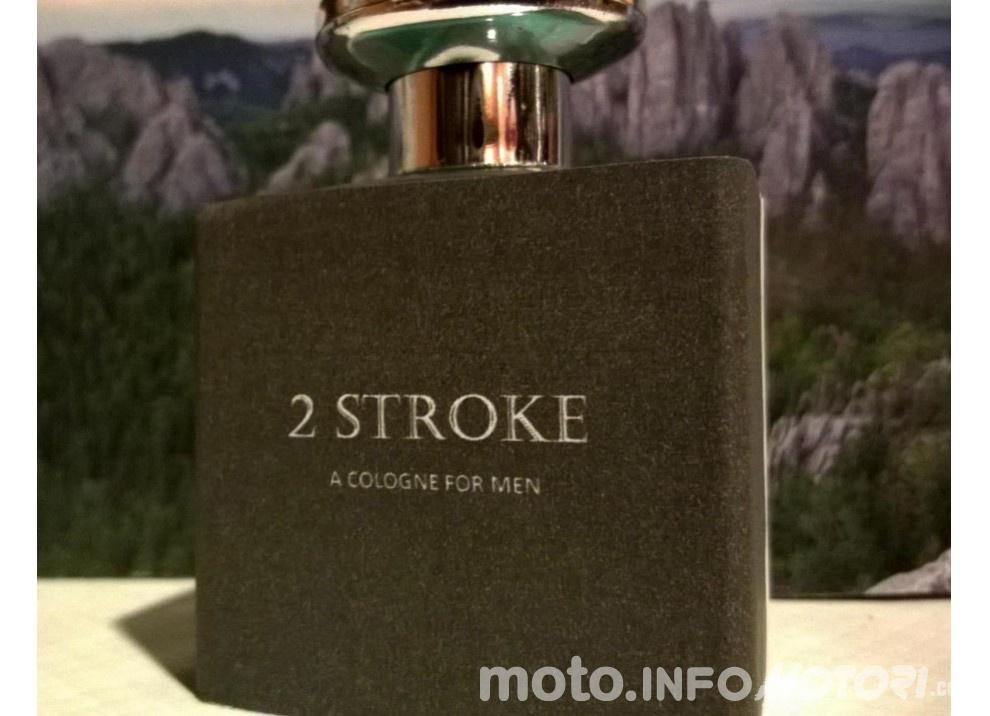 Profumo e dopobarba 2T: il lancio su KickStarter  di 2 Stroke Cologne