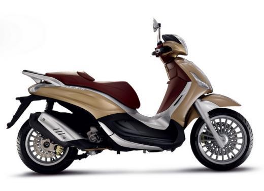 Piaggio Beverly 300 in promozione a 3.990 euro - Foto 3 di 5