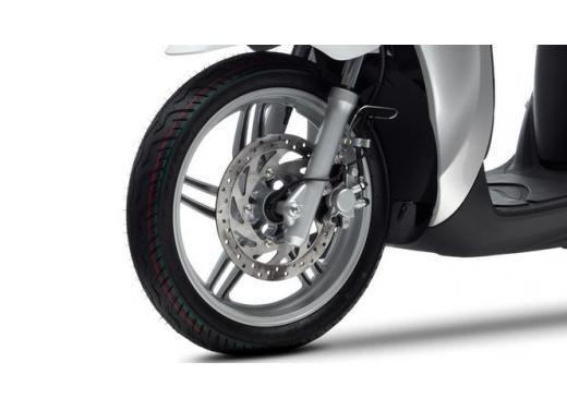 Yamaha Xenter 125 e 150 in promozione fino a marzo 2014 - Foto 5 di 10