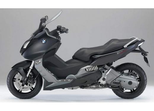 BMW C 600 Sport e BMW C 650 GT, porte aperte per i maxi scooter BMW - Foto 4 di 8