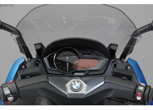 BMW C 600 Sport e BMW C 650 GT, porte aperte per i maxi scooter BMW - Foto 7 di 8