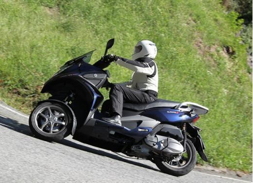 Quadro 350S: test ride a tre ruote - Foto 3 di 38