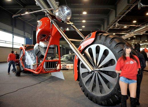 Motor Bike Expo 2012: chopper gigante by Regio Design - Foto 1 di 9