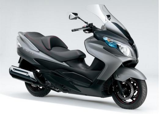 Suzuki Burgman 400 in promozione con due anni in più di garanzia