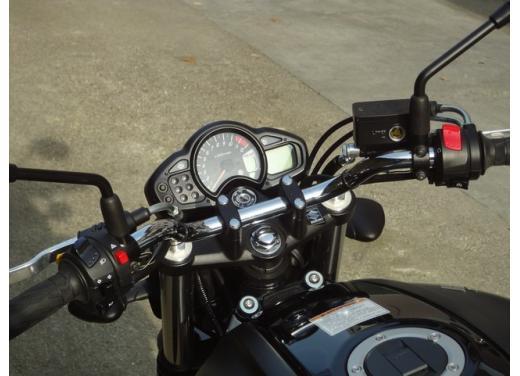 Suzuki Gladius 650 ABS: test ride della naked pratica ma con stile - Foto 9 di 15