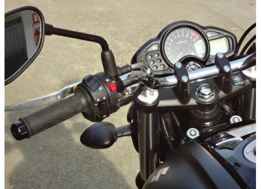 Suzuki Gladius 650 ABS: test ride della naked pratica ma con stile - Foto 11 di 15