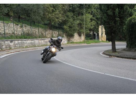Suzuki Gladius 650 ABS: test ride della naked pratica ma con stile - Foto 5 di 15