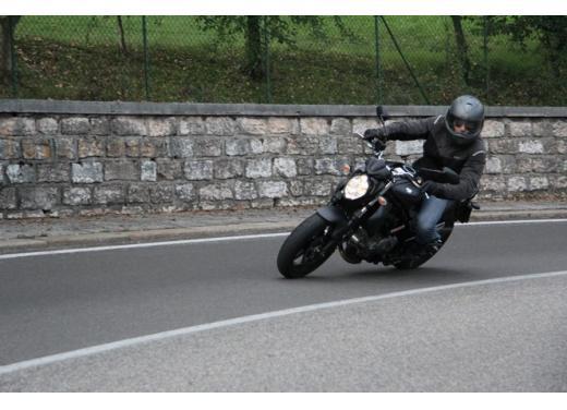 Suzuki Gladius 650 ABS: test ride della naked pratica ma con stile