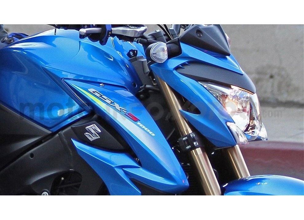 Suzuki GSX-S1000 ABS, la nuda da 146CV per aggredire la strada - Foto 3 di 10