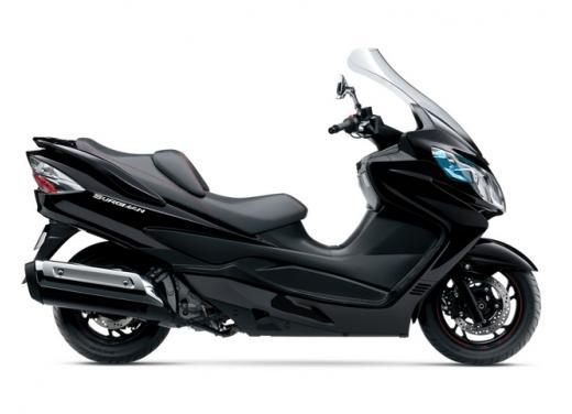 Suzuki Burgman 400 e 650 listino prezzi a partire da 7190 euro - Foto 5 di 5