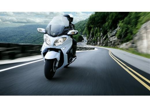 Suzuki Burgman 400 e 650 listino prezzi a partire da 7190 euro - Foto 3 di 5