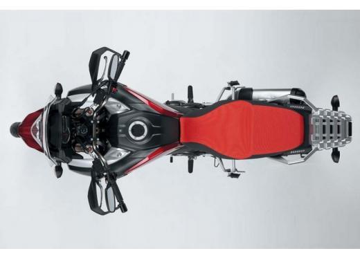 Suzuki V-Strom 1000, la tourer bicilindrica pronta al debutto - Foto 5 di 6