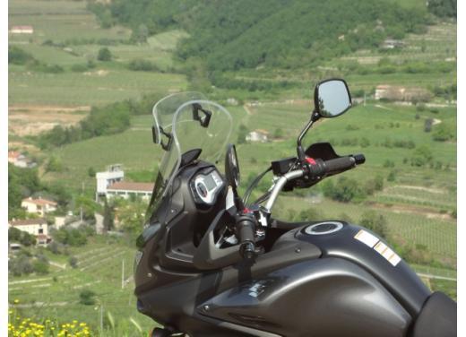 Suzuki V-Strom 650: fino al 31 luglio,  kit Urban in omaggio - Foto 4 di 5