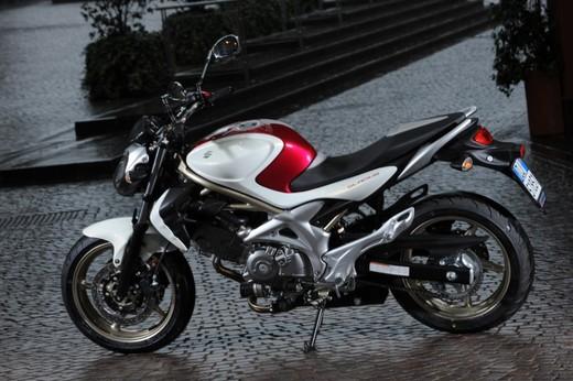 Suzuki Gladius promo - Foto 10 di 12