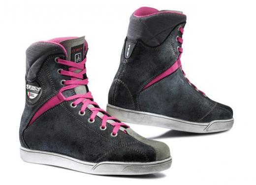 TCX: stivali e scarpe waterproof - Foto 2 di 5