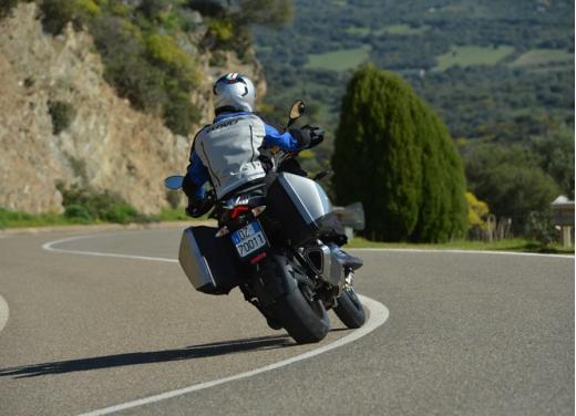 Aprilia Caponord 1200 Travel Pack, prova su strada della turistica dall'indole sportiva - Foto 9 di 54