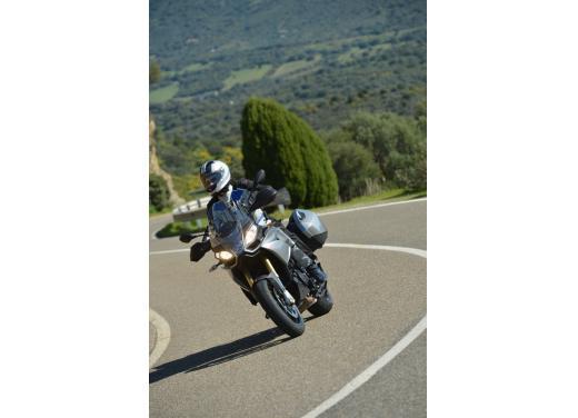 Aprilia Caponord 1200 Travel Pack, prova su strada della turistica dall'indole sportiva - Foto 29 di 54