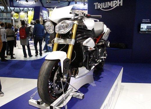 Triumph Speed Triple R ad un prezzo di 14.495 Euro - Foto 4 di 15