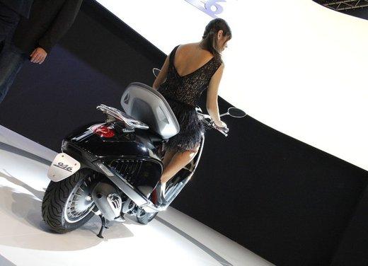 Piaggio Vespa 946: la scooter Piaggio di lusso in vendita nella primavera 2013 - Foto 17 di 32