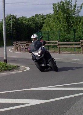 Quadro 350d prova su strada: due ruote bene, tre ruote meglio - Foto 20 di 30