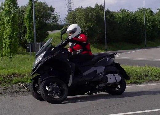 Quadro 350d prova su strada: due ruote bene, tre ruote meglio