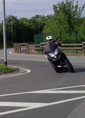 Quadro 350d prova su strada: due ruote bene, tre ruote meglio - Foto 22 di 30