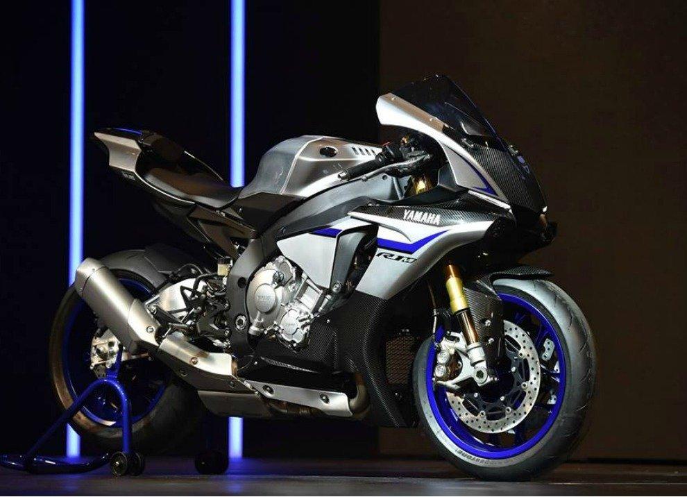 Yamaha annuncia i prezzi delle supersportive YZF-R1 ed YZF-R1M